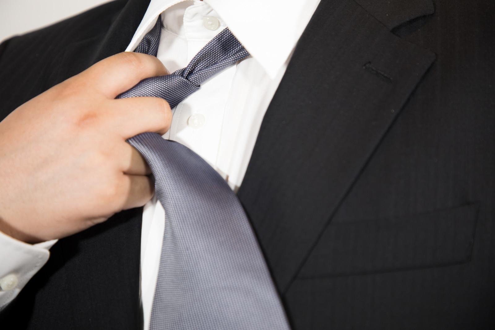 2019年卒就活リクルートスーツとネクタイの揃え方