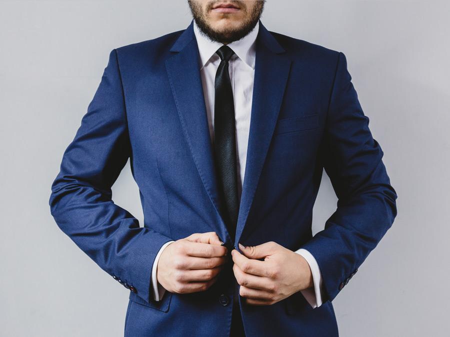 2019年卒の就活生にオススメのリクルートスーツの値段