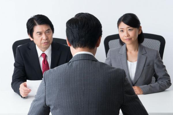 就職活動における難関・ホワイト企業の採用面接を突破するには