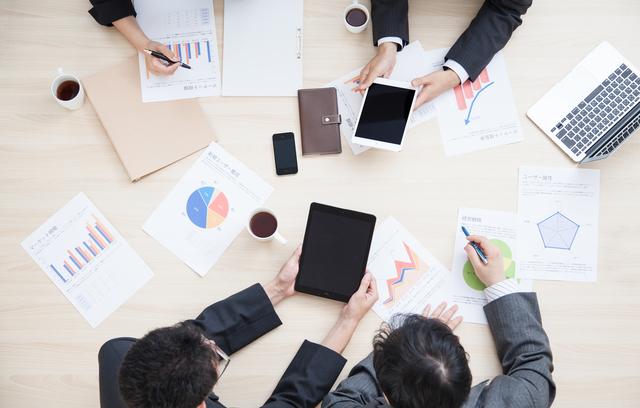 就職前に仕事内容を解説する業界分析で精密機器の知識を持つ